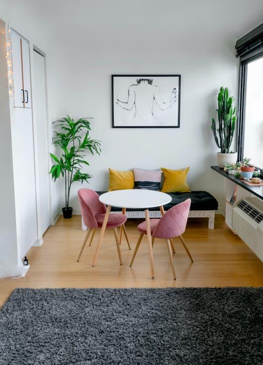 Aranżacje małego salonu w stylu skandynawskim