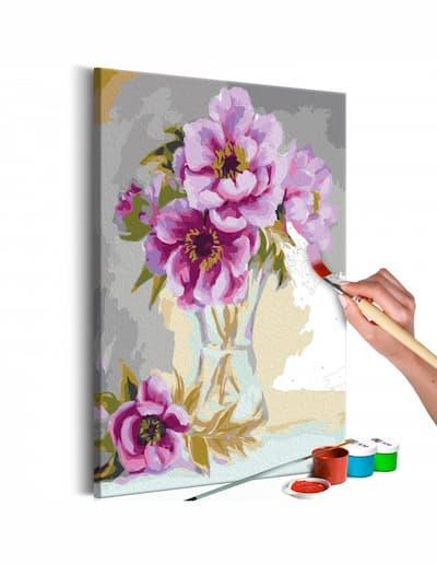 Kwiaty do malowania z farbami i pędzlem